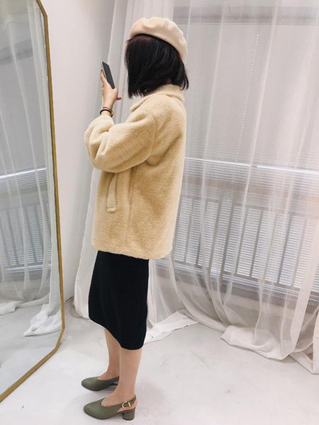 靓客女装品牌2019秋冬短款毛绒外套