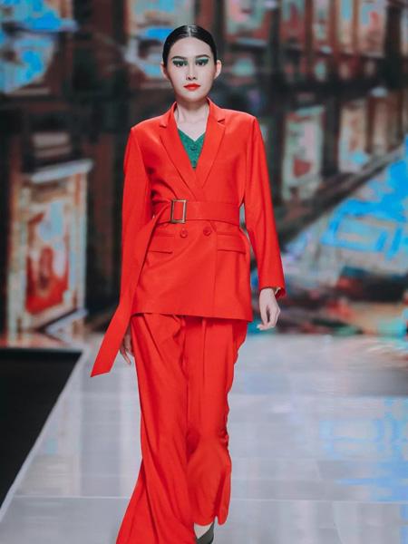 HM.Luscious女装品牌2019秋冬新款两件套