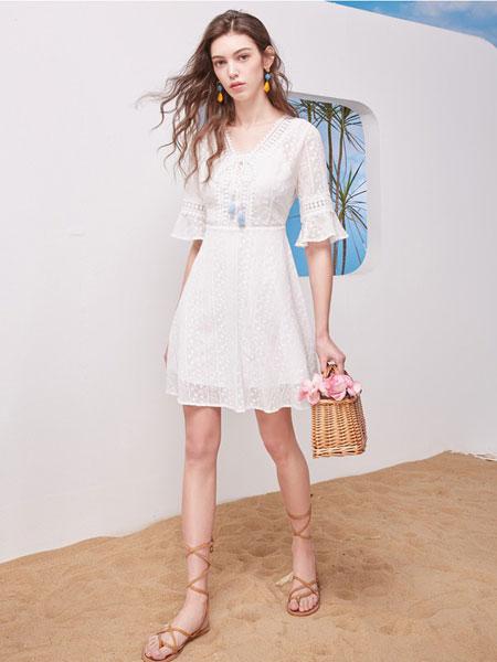 维艾诗女装品牌2020春夏白色透纱连衣裙 OL日系百搭