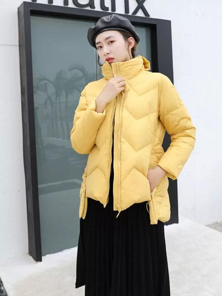 古米娜女装品牌2019秋冬黄色外套,透露出一份优雅的气质,让人爱不释手。