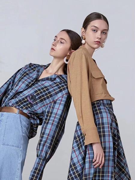 司合伊女装品牌2019秋冬时尚格子衬衫
