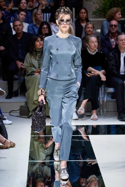 Giorgio Armani2020年春季高�成衣系列 ��s而��雅