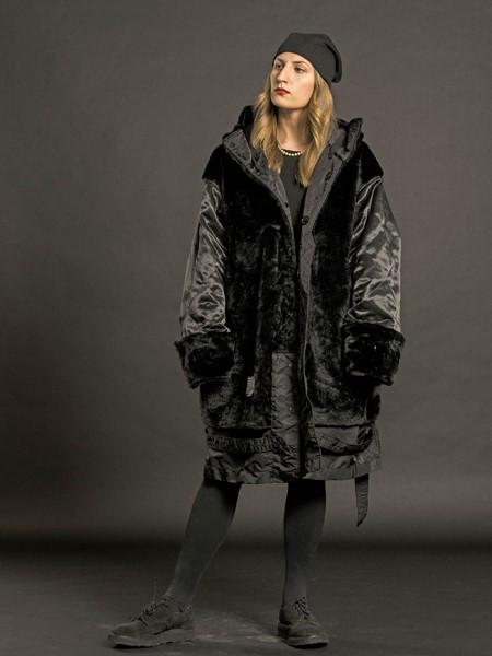 Engineered Garments国际品牌品牌宽松保暖大衣