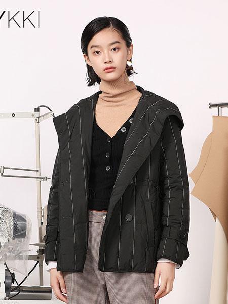 IVYKKI女装品牌2019秋冬带帽外套
