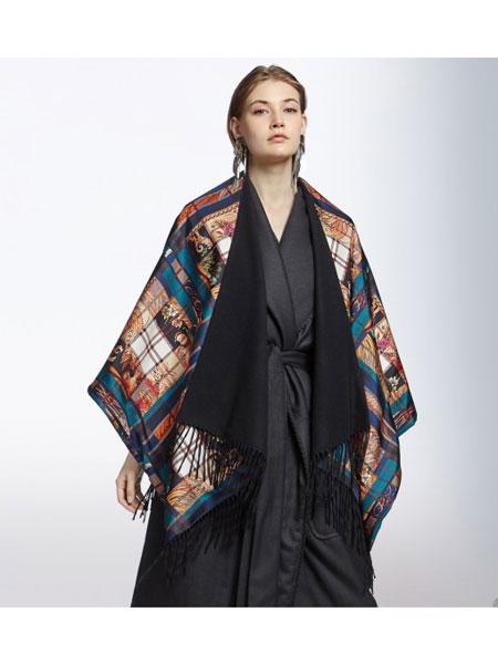 菲拉格慕国际品牌品牌2019秋冬图案披肩