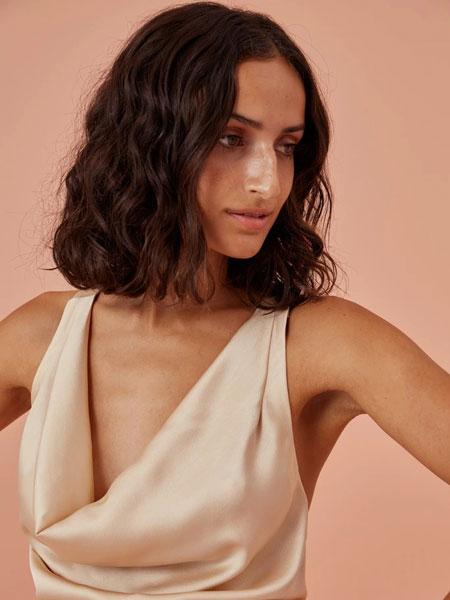 FINDERS KEEPERS国际品牌2020春夏新款v领无袖全身裙 显气质百搭