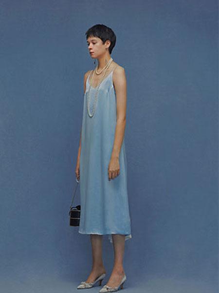 ZERO-3国际品牌品牌2020春夏新款纯色吊带连衣裙