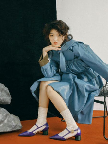 I SUDDENLY SNEEZED国际品牌2020春夏新款纯色皮质连衣裙