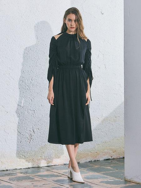 A.BELL国际品牌2020春夏新款露肩连衣裙