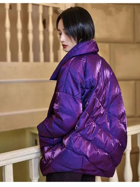 曼德诗品牌女装女装品牌2019秋冬新款亮面羽绒服