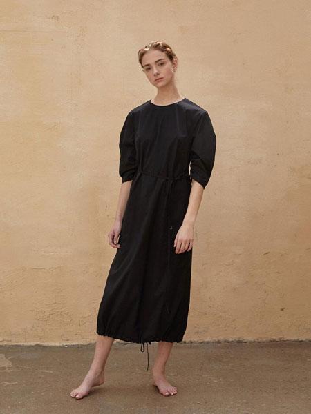 AEER国际品牌品牌2020春夏经典袖子抽绳绑带装饰V领短袖长款衬衫