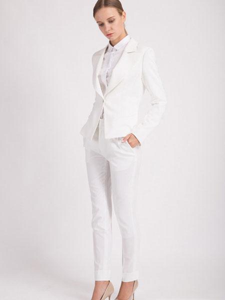 C'est moi服装定制品牌2019秋冬新款白色西装套装 简洁高贵