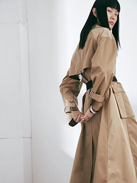 MAKIIMAKII国际品牌品牌2020春夏新款纯色连衣裙
