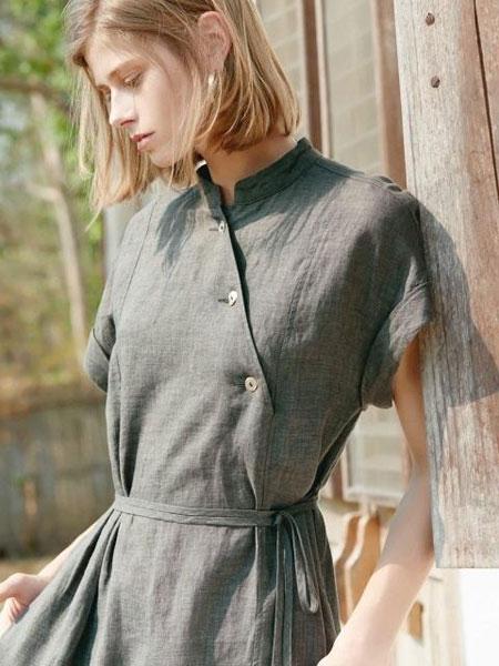 AKRO国际品牌品牌2020春夏中式领斜襟短袖亚麻连衣裙_卡其色