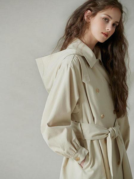 AKRO国际品牌品牌2020春夏宽松双排扣带腰带女士连帽战壕风衣