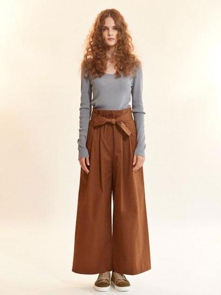 AKRO国际品牌品牌2020春夏绑带腰带高腰缝褶阔腿长裤_红棕色