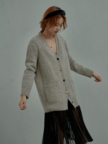 AHEIT国际品牌品牌2019秋冬新款毛绒纽扣衬衫
