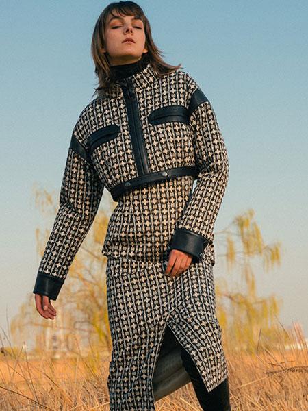 Jun Ashida国际品牌2019秋冬新款格子长款长袖连衣裙