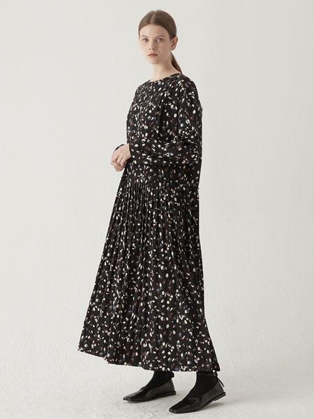 BEMUSEMANSION国际品牌品牌2019秋冬褶裥连体衣-黑色混搭