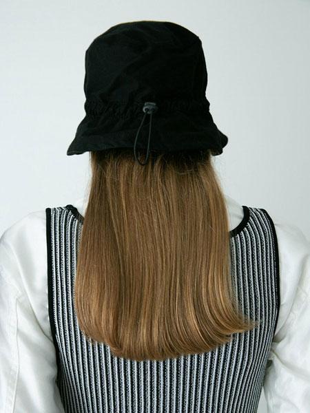 AWESOME NEEDS国际品牌品牌2020春夏简约迷你男女同款抽绳渔夫帽_黑色