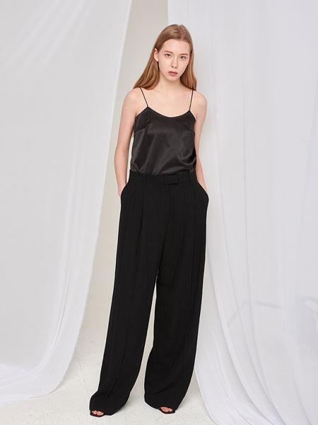 AOEMQ国际品牌2020春夏新款真丝吊带上衣