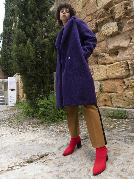 AVA MOLLI国际品牌品牌2019秋冬宽松隐藏扣基础款女士毛绒长款大衣_紫色