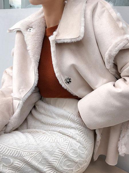 chuu冬季仿皮草外套女2019新款双面穿毛毛绒感小款仿貂皮小香风潮
