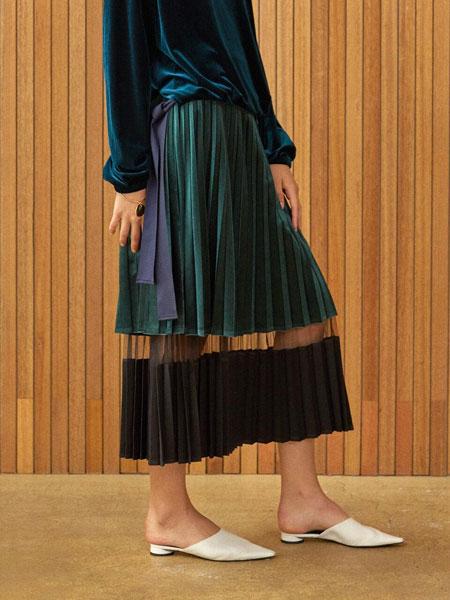 CLUE DE CLARE国际品牌品牌2020春夏休闲光泽感底端束带收口袖女士丝绒圆领卫衣_绿色
