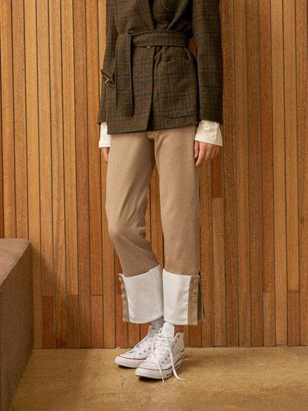 CLUE DE CLARE国际品牌品牌2020春夏休闲底端拼接拼色侧开叉腰部束带女士直筒裤_淡黄色