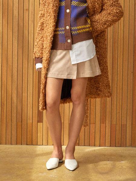 CLUE DE CLARE国际品牌品牌2020春夏经典绒面圆环拉链迷你围囊裙_淡黄色