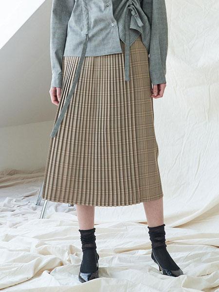 CO/RCA国际品牌品牌2020春夏经典格纹前百褶装饰长款直筒裙_淡黄色