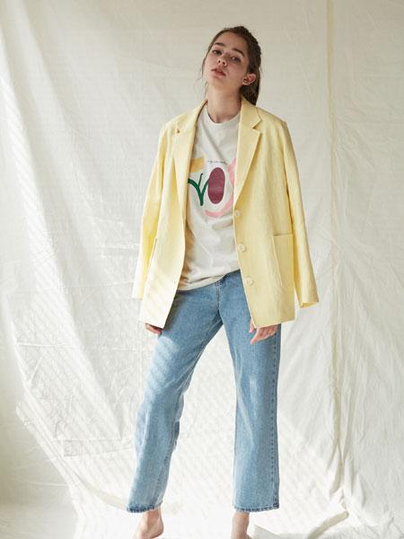 BLUV国际品牌品牌2019秋冬新款纯色西装外套