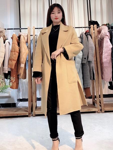 朝花夕拾19年厂家直销冬季羽绒服羊绒大衣组合包