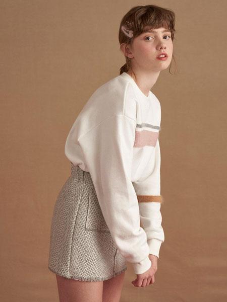 DEARPEER国际品牌品牌2019秋冬宽松落肩针织拼接女士圆领拉绒卫衣_象牙白