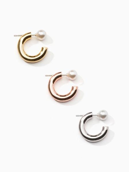 ALAINN国际品牌品牌2020春夏迷你珍珠拼接开口圆环造型女士耳环