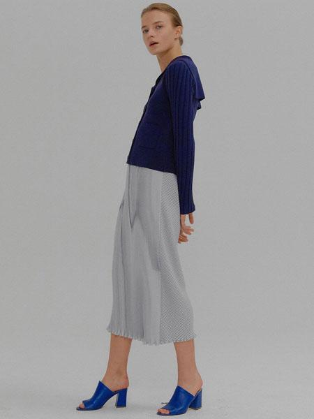 EENK国际品牌品牌2020春夏经典前后拼接松紧腰长款百褶裙_白色