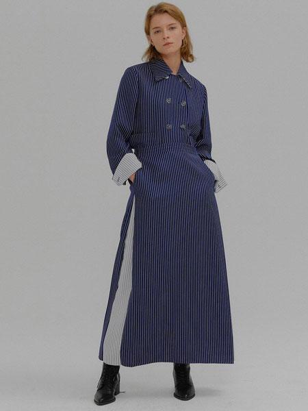 EENK国际品牌品牌2020春夏经典修身一字领迷你吊带连衣裙_藏青色