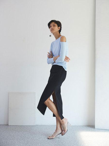 EKHON国际品牌品牌2020春夏经典魔术线侧开叉长款直筒裙_黑色