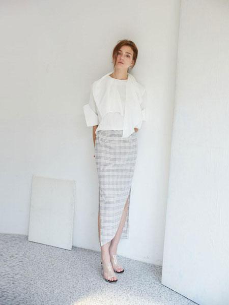 EKHON国际品牌品牌2020春夏修身长款松紧腰直筒侧开叉不对称半身裙_格纹