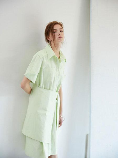 EKHON国际品牌品牌2020春夏宽松隐形扣口袋拼接绑带前襟短袖衬衫连衣裙_浅绿色
