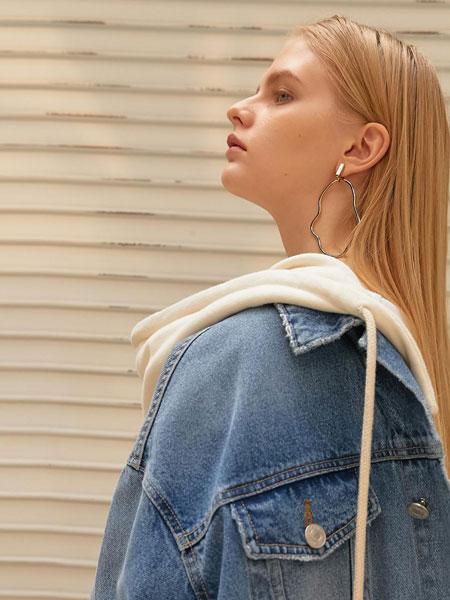 ELLONARC国际品牌品牌2020春夏宽松水洗可拆卸帽女士连帽牛仔夹克_