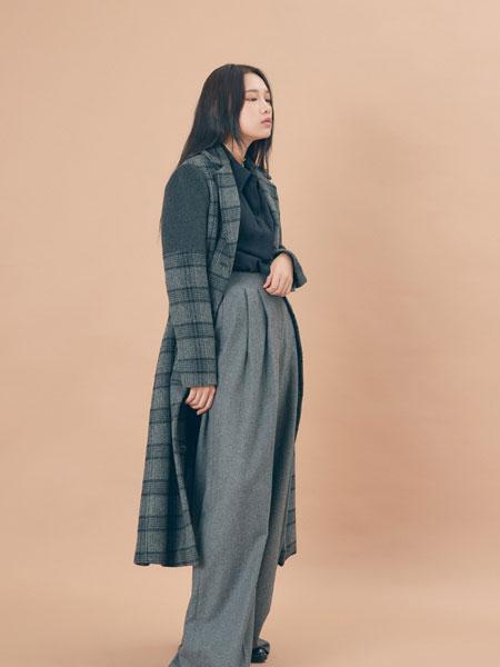 EXYAI.W国际品牌品牌2019秋冬新款毛呢格子大衣