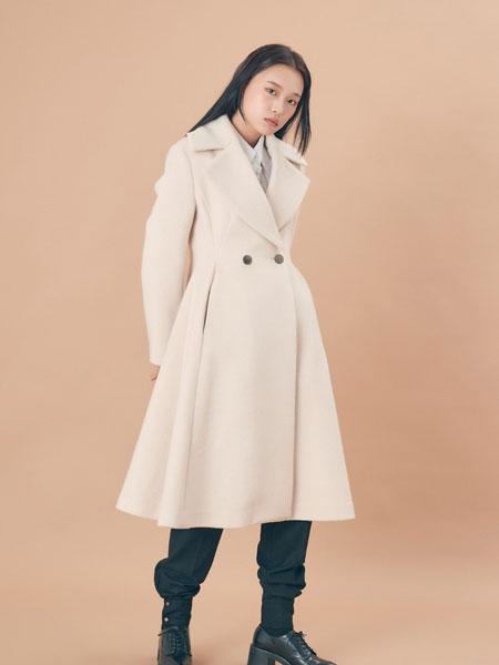 EXYAI.W国际品牌品牌2019秋冬新款纽扣纯色大衣