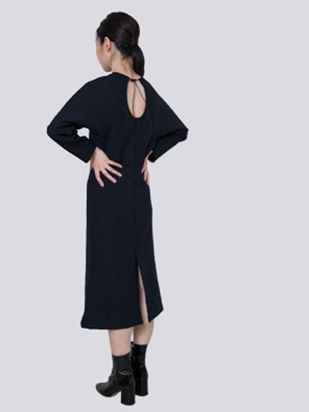 HALOMINIUM国际品牌品牌2020春夏新款系带式开背连衣裙
