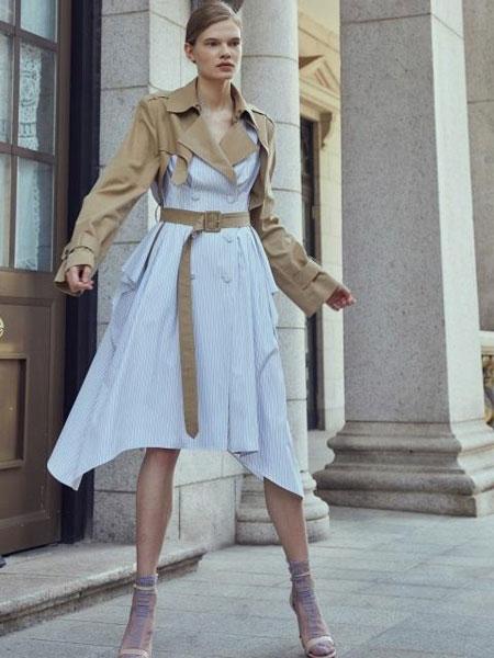HAEKIM国际品牌品牌2020春夏经典拼接衬衫衣摆双排扣腰带装饰风衣风格长款大衣_米色