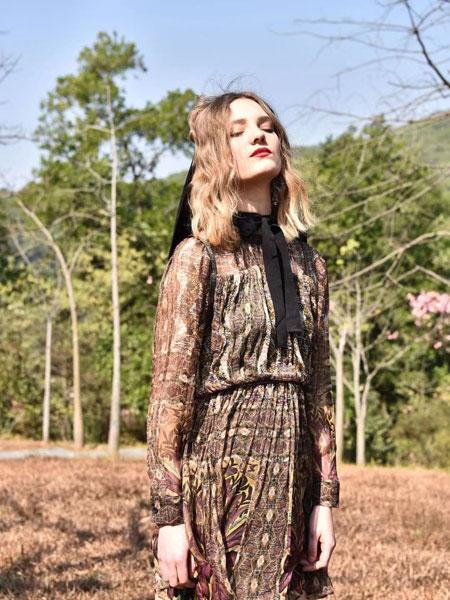 AttinaLife阿缇娜女装品牌2020春夏新款印花连衣裙
