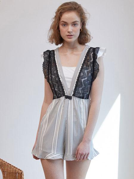 GIANNA国际品牌品牌2020春新款黑色v领家居服