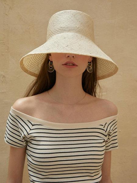 GROVE国际品牌品牌2020春夏简约修身露肩女士短袖T恤_多色