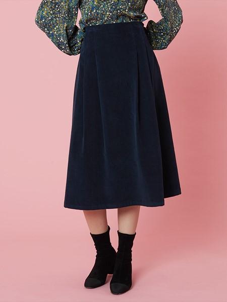 HOLLY LOVES LOVE国际品牌品牌黑色修身半身裙