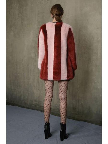 JINJIN ISLAND国际品牌品牌纵条纹撞色中长皮草_红粉色